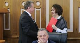 Пензенский депутат Лисин сообщил, что его супруга заразилась ... | 150x280